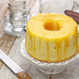 Cutting Angel Food Cake