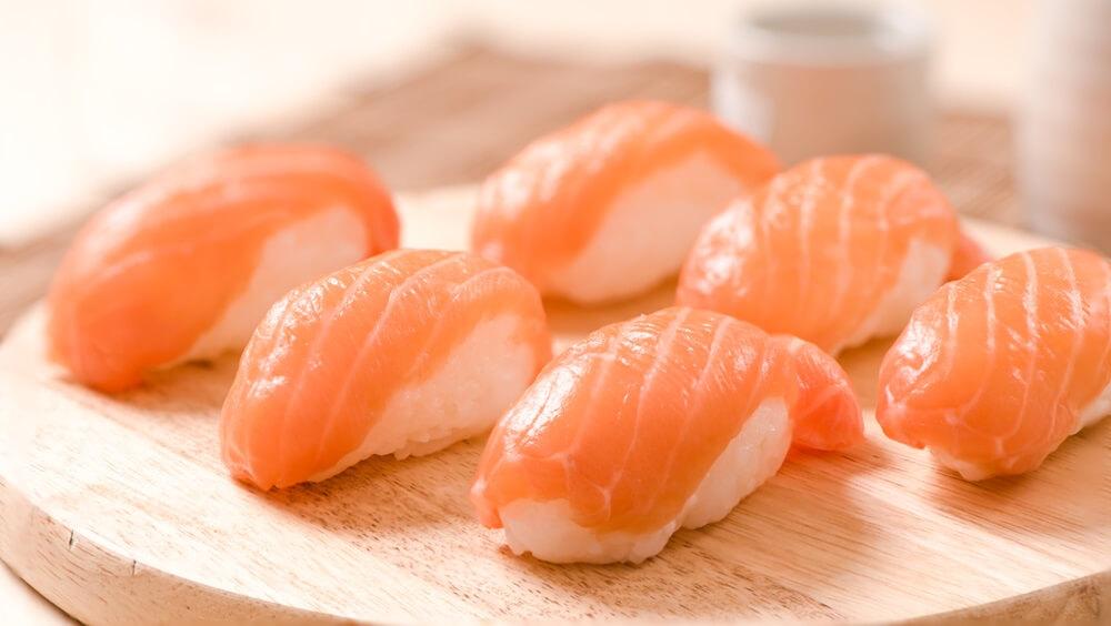 Salmon Nigiri Presentation
